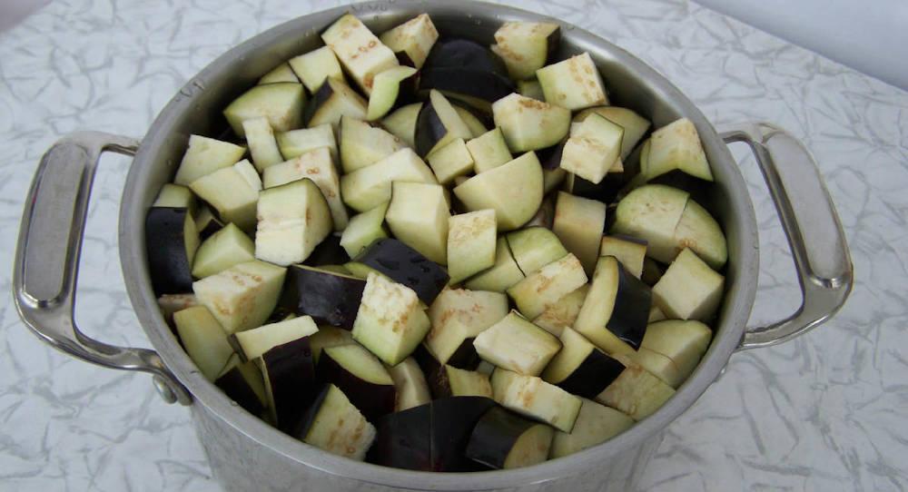 Баклажаны с чесноком на зиму - замечательная овощная закуска, которую можно есть только с хлебом
